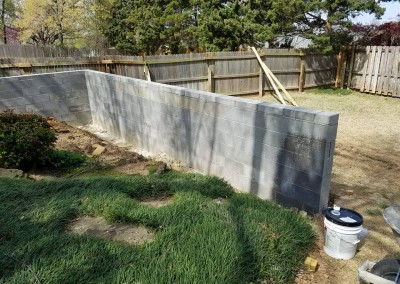 retaining wall and privacy fence gorilla brothers landscaping and remodeling (1)
